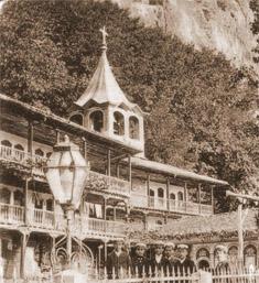Камбанарията и средната част от западното жилищно крило, Преображенски манастир